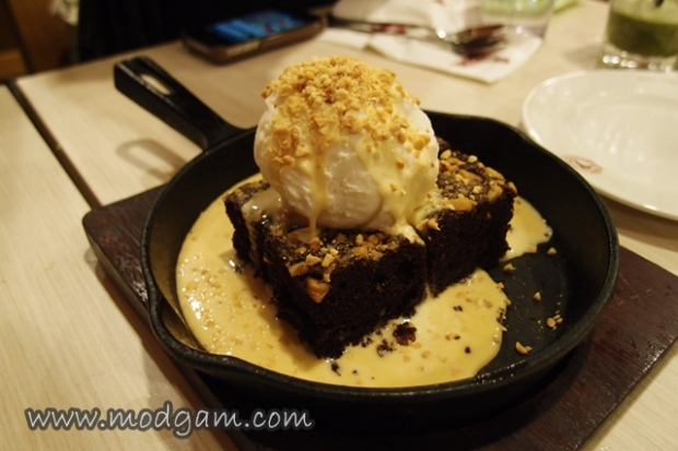 Sizzling Brownie with Ice-cream