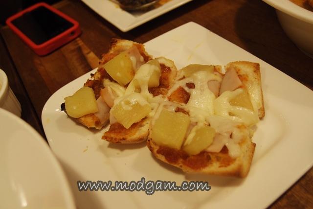 Roti Bakar Assam Nanas