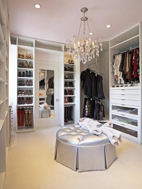 original-la-closet-design-walk-in-closet-with-corner-clothing-rod-s3x4-lg-best-picture-01