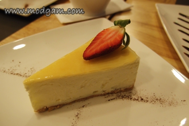 Classic Yolkless Cheesecake