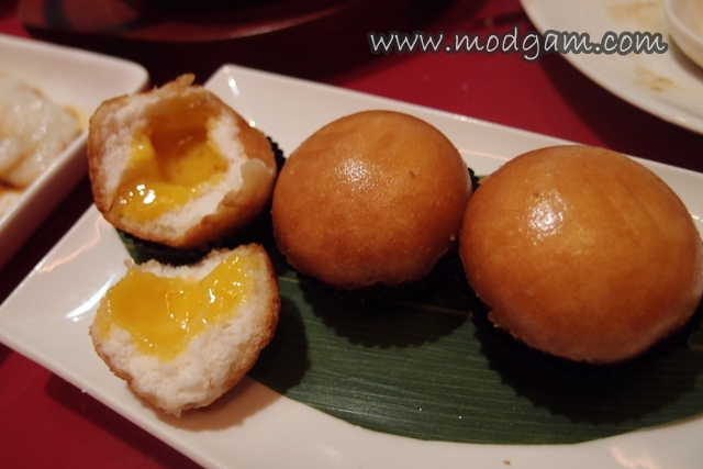 Crispy Bun with Salted Egg Yolk Filing