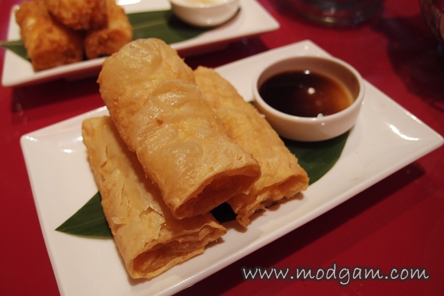 Crispy beancurd roll with shrimps