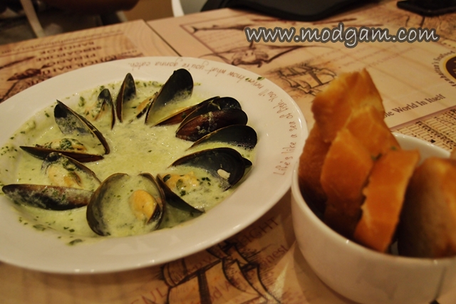 Garlic Herb Mussels